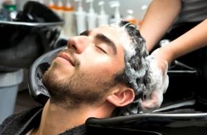 Sesión de peluquería para caballero