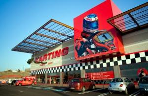 Disfruta de la velocidad pilotando karts